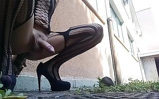 Shemale crossdresser cum with cucumber in ass