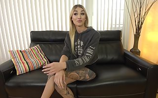 Stunning newbie Luna Love pre-shoot interview